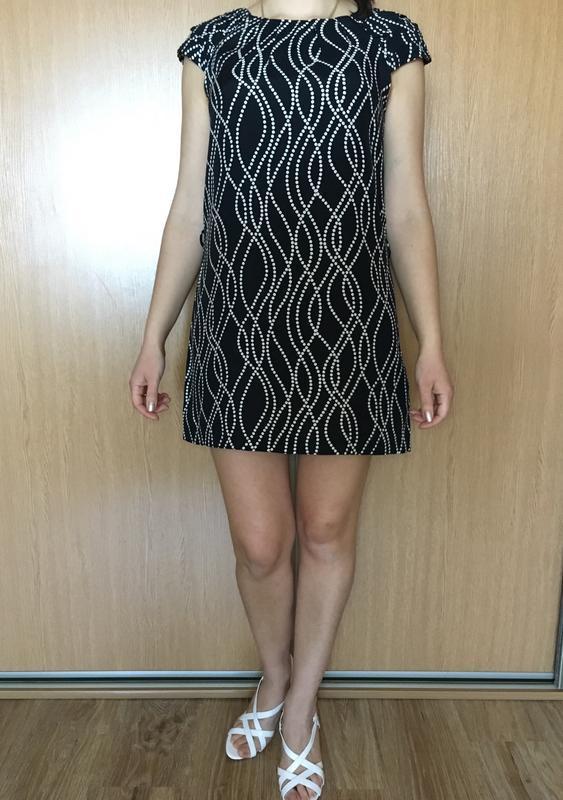 Красивое лёгкое  платье прямого кроя  в принт - Фото 2