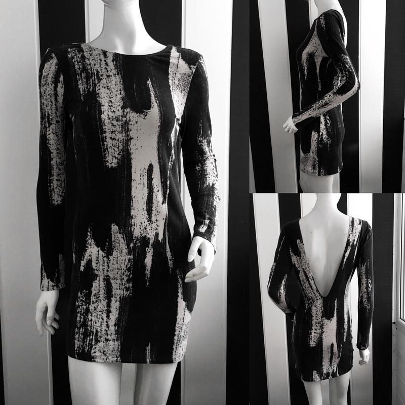 Невероятное платье в крутой принт с глубоким v-образым вырезом... - Фото 5