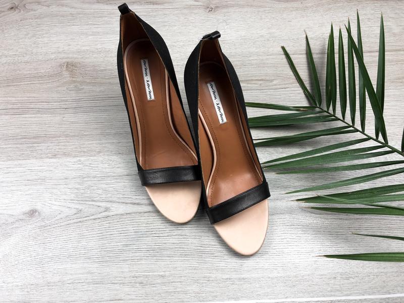 Изумительные кожаные туфли с открытым носком & other stories