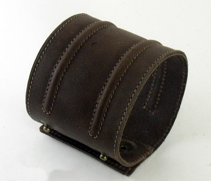 Кожаный браслет m504