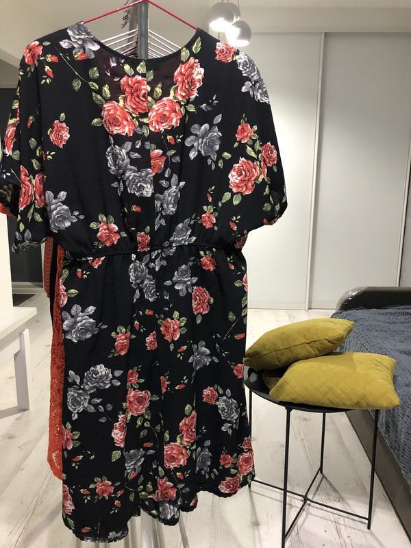 Легкое платье в цветы - Фото 5