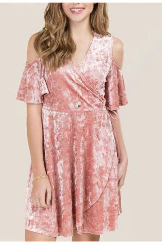 Большой выбор!платье велюр с открытыми плечами