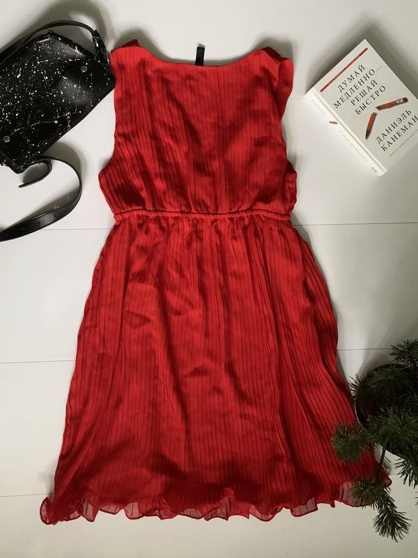 Супер красное, плиссированное платье, низ обработан - Фото 2