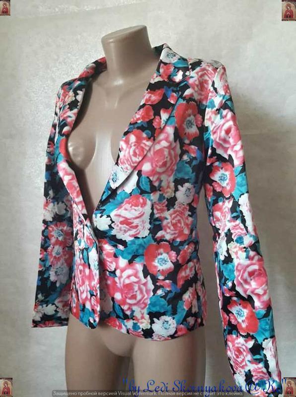 Новый атласный нарядный пиджак/жакет в цветочный принт, размер... - Фото 4