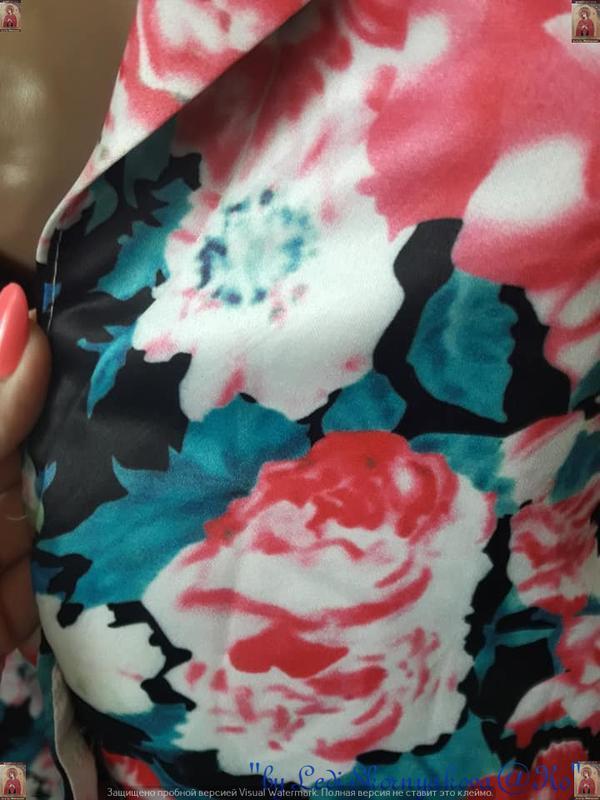 Новый атласный нарядный пиджак/жакет в цветочный принт, размер... - Фото 9