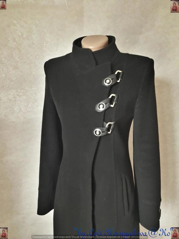 Базовое строгое чёрное пальто деми с кожаными вставками на 70 ... - Фото 6