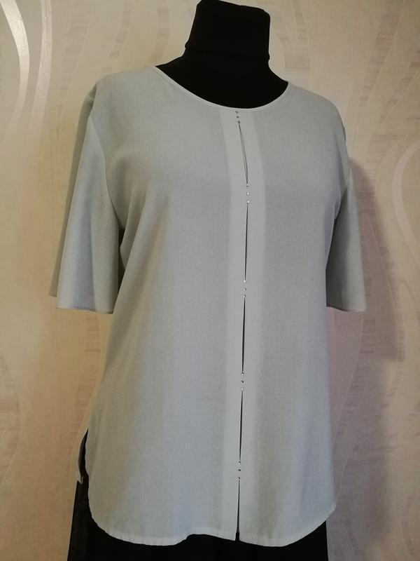 Нежная красивая блуза футболка
