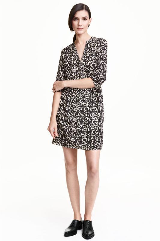 Женственное шифоновое платье средней длины