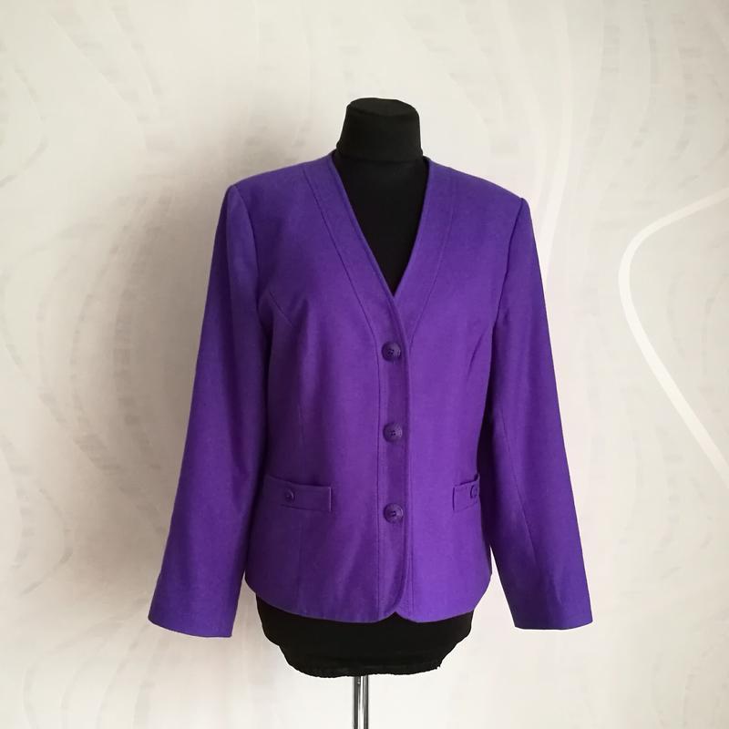 Мягкий шерстяной жакет пиджак