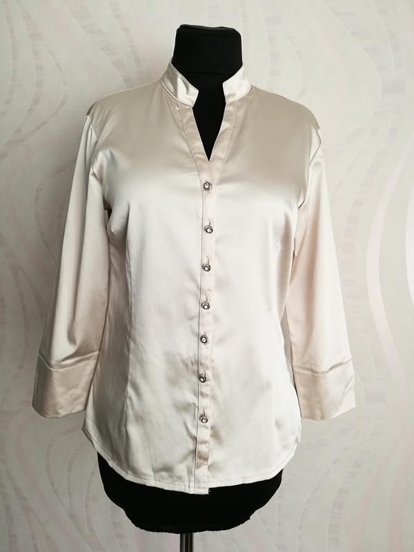 Нюдовая блуза рубашка с красивыми пуговками
