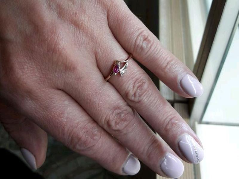 Золотое кольцо с рубином и бриллиантом - Фото 5