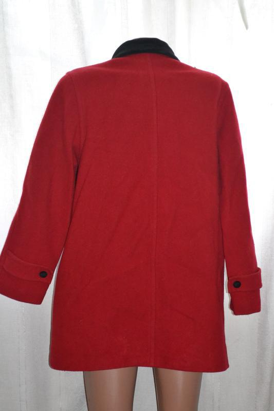 Красное женское пальто - Фото 2