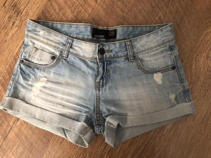 Шорты джинсовые светлые junker разм 25