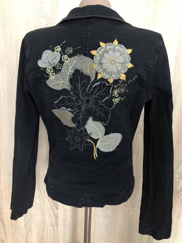 Пиджак жакет черный котон с аппликацией на спине
